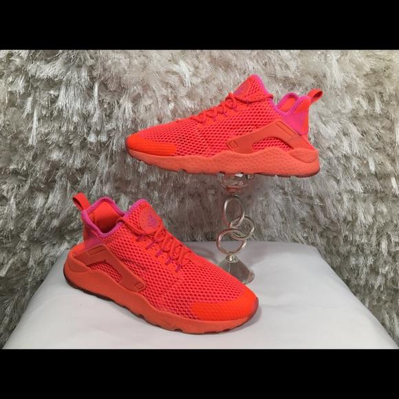 ae9ba22ef49a Nike Air Huarache ultra Breathe Total Crimson 9. M 5b396c4c8ad2f9d23475fd7a